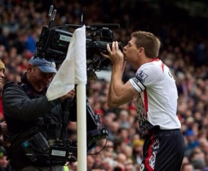 Stevie G + Old Trafford Cameras = <3